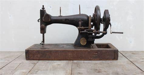 Senter Engkol antikpisan mesin jahit engkol antik merek schutz marke