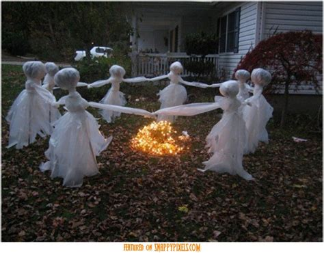 Diy Creepy Halloween Decorations | scary halloween decoration ideas for outside 34 yard pics