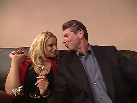 trish stratus height 5 most embarrassing moments in wwe history fact5