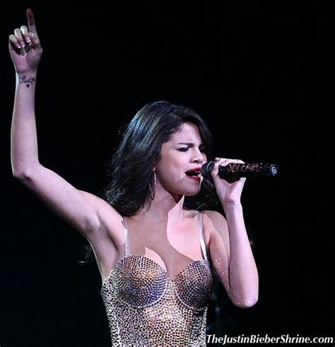 selena gomez tattoo of justin bieber on her wrist selena gomez tattoo justin bieber s name on her wrist