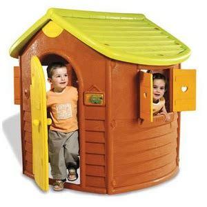 maison de jardin smoby smoby maison jura cabanes pour enfants comparer les prix sur choozen fr