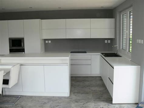 rekonštrukcia v 218 b a briel space kuchyňa biela