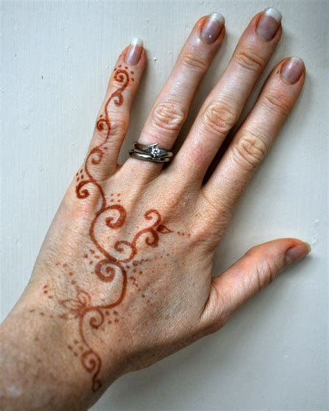 simple henna tattoo hand henna tattoos easy makedes