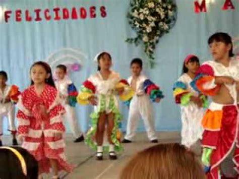 mangas de mambo colegio tlamatini festival 10 de mayo 2010 mambo avi youtube