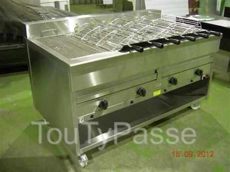 Grill Professionnel Charbon by Barbecue Professionnel A Charbon De Bois Ou Gaz Aabasene
