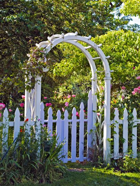 Garden Arch Designs How To Design Arches And Pergolas Landscaping Ideas And