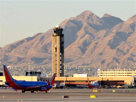 the new tower at mccarran mccarran s new tower makes a las ting impression
