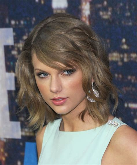 what colours does taylor swift use for ash blonde hair taylor swift hairstyles in 2018