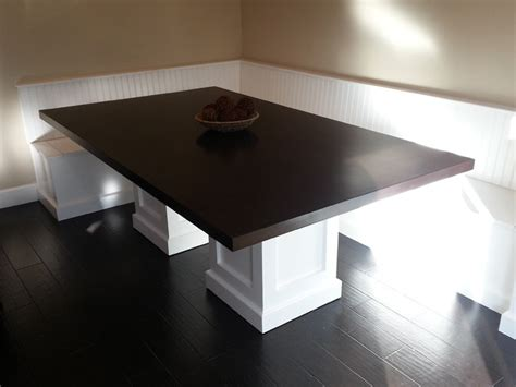 Table Banquette banquette with custom pedestal table