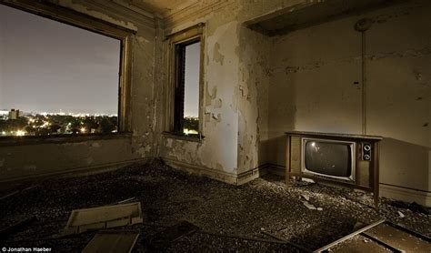 Room Vacant by Falling From The Sky Inside The Abandoned Ghostscrapers That Litter America Daily Mail