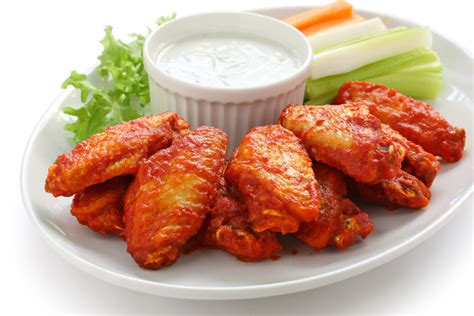 imagenes de hot wings why buffalo wings are called that