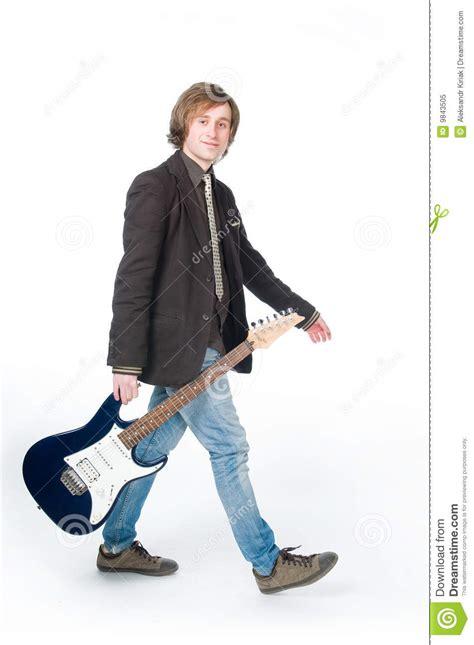 mark hudder eliquis musician on the eliquis commercial