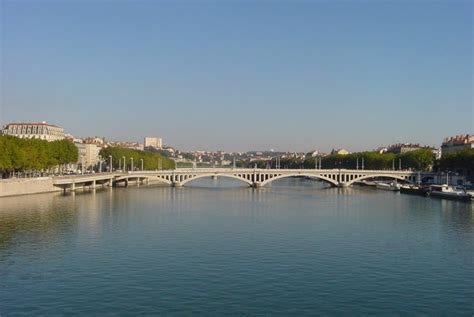 lade francesi les ponts de lyon lyon 2 232 me patrimoine culturel 224 lyon