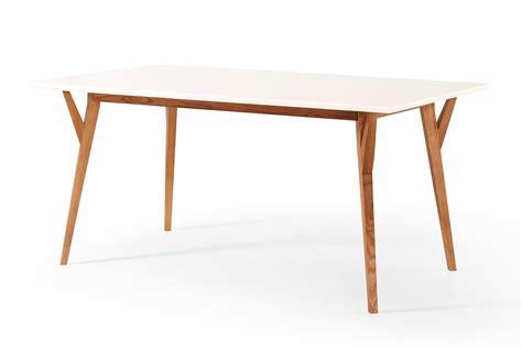 salle a manger scandinave table 224 manger design vintage blanche et bois limmat