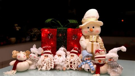 santa claus snowman gifts christmas new year wallpaper
