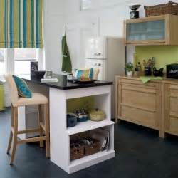Cool Ideas For a Kitchen Bar, A Fun Interior Makeover   Freshome.com