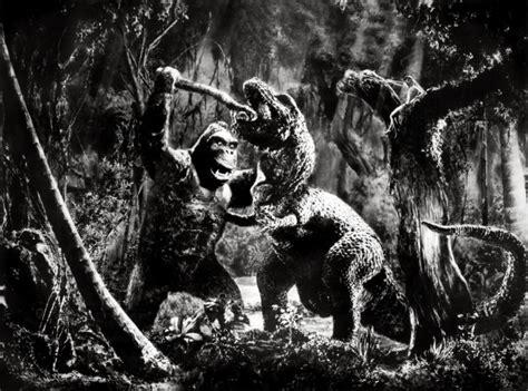 film king kong vs dinosaurus fichier king kong vs tyrannosaurus jpg wikip 233 dia