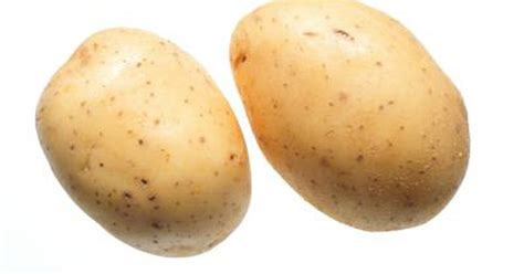 carbohydrates in potatoes nutrition for a russet vs yukon gold potato livestrong