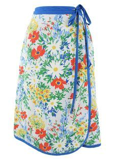Flower Printed Puffball Skirt For A Summer Garden by Swinging 60s And 70s Style On 1960s 60s Mod