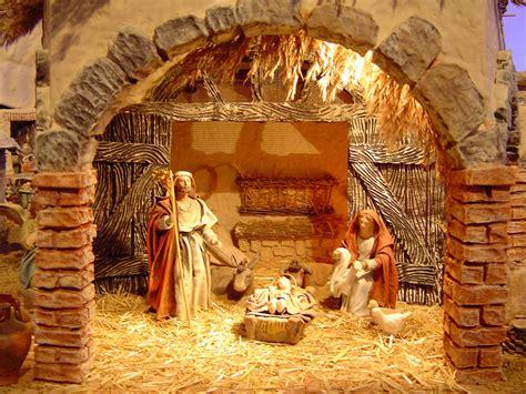 imagenes de navidad belen preparando el portal de bel 233 n