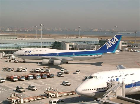 Air Second file haneda second teminal and air plane 200603 jpg