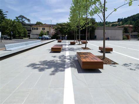 arredo urbano design l arredo urbano ha tre parole d ordine design produzione