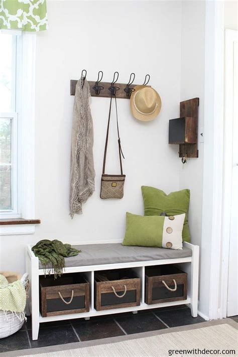 design  small  foyer green  decor