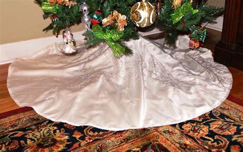 28 best wedding dress christmas tree skirt hey boston