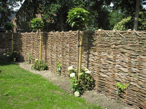 afscheiding tuinen maken afscheiding van wilgentenen tuinadvies van de tuinen van