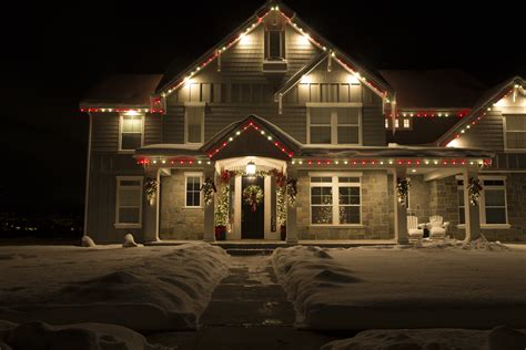 tips to choosing the right holiday lights modern display