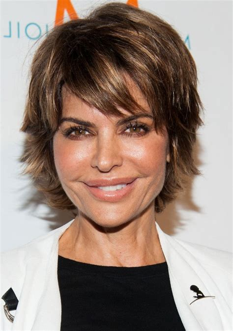 razor cut hairstyles for women over 50 best short hairstyle for womebn over 40 lisa rinna short