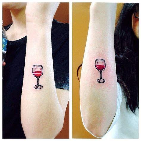 tattoo girl wine wine glass tattoo tattoo pinterest verre de vin