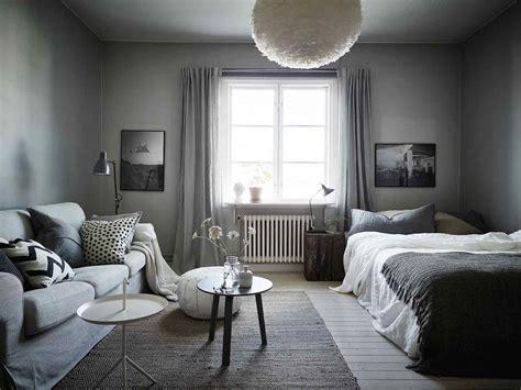 interiores de  apartamento muy pequeno en gris
