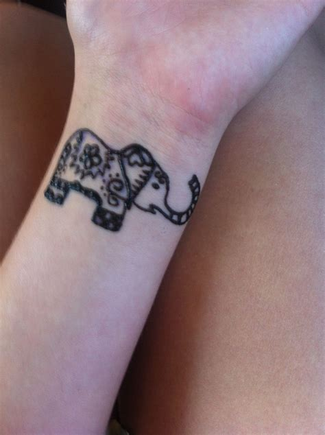 elephant tattoo henna henna elephant www imgkid the image kid has it