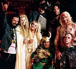 house of a thousand corpses cast image rob zombie with cast members jpg headhunter s horror house wiki fandom