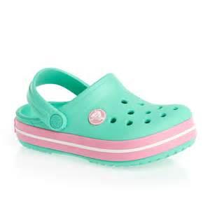 crocs crocband shoes island green pink lemonade