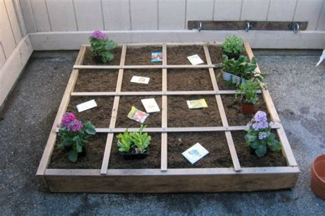 square foot gardening layout apartment gardening in 4 square in winter of
