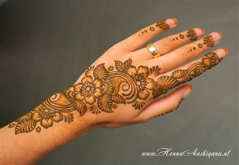 flower design mehndi 25 floral mehndi henna designs for girls hands
