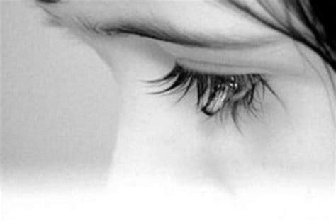 imagenes de una mujer llorando x amor ojo de mujer llorando por amor imagui