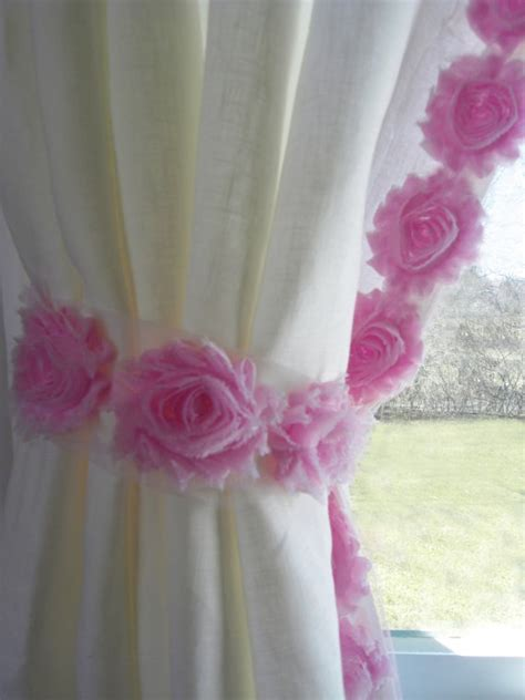 curtain for baby girl room 1000 ideas about girls room curtains on pinterest