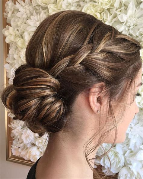 Easy Bridesmaid Hairstyles For Medium Length Hair by Best 25 Braided Updo Ideas On Easy Braided