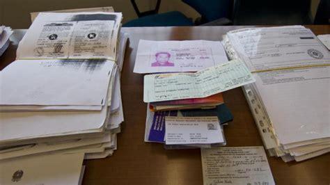 documentazione per permesso di soggiorno como documenti falsi per i permessi di soggiorno due