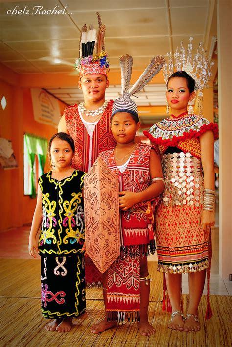 Baju Burung Orang Iban pakaian tradisional kaum iban blogzarin