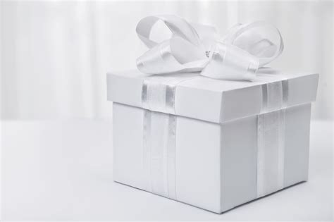 Wedding Gift by New Wedding Gift Etiquette What You Need To Before