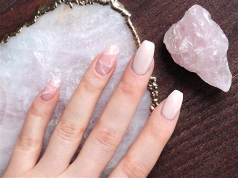 décoration tendance 2017 crystal nails are cool and we want them now