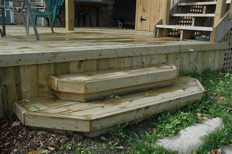 Diy Patio Steps by How To Build A Simple Deck Bed Mattress Sale