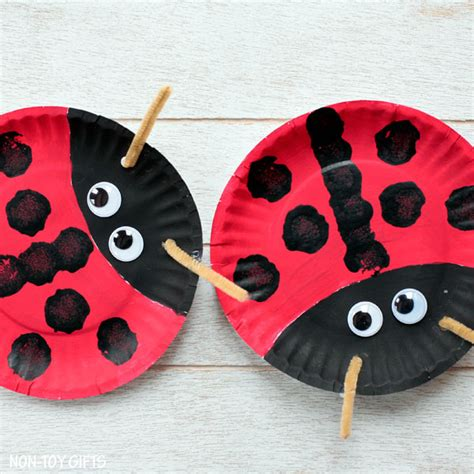 Crafts Out Of Paper Plates - paper plate ladybug craft for non gifts