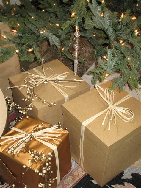 gift wrapping ideas for a country holiday theme easy