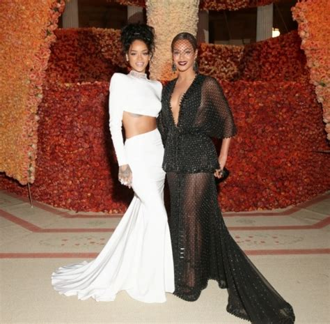 Quincy Label Croco Skin Bow met gala fashion 2014 the timeless and the tasteless ix