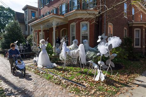 Outside Home Decorations 48 Creepy Outdoor Halloween Decoration Ideas